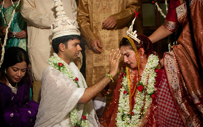 This Hindu-Jewish Couple Celebrated with Two Beautiful Weddings