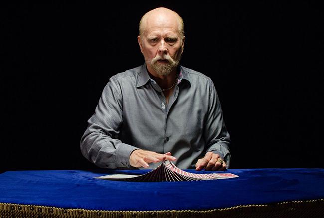 "Richard Turner is a blind ""card mechanic"""