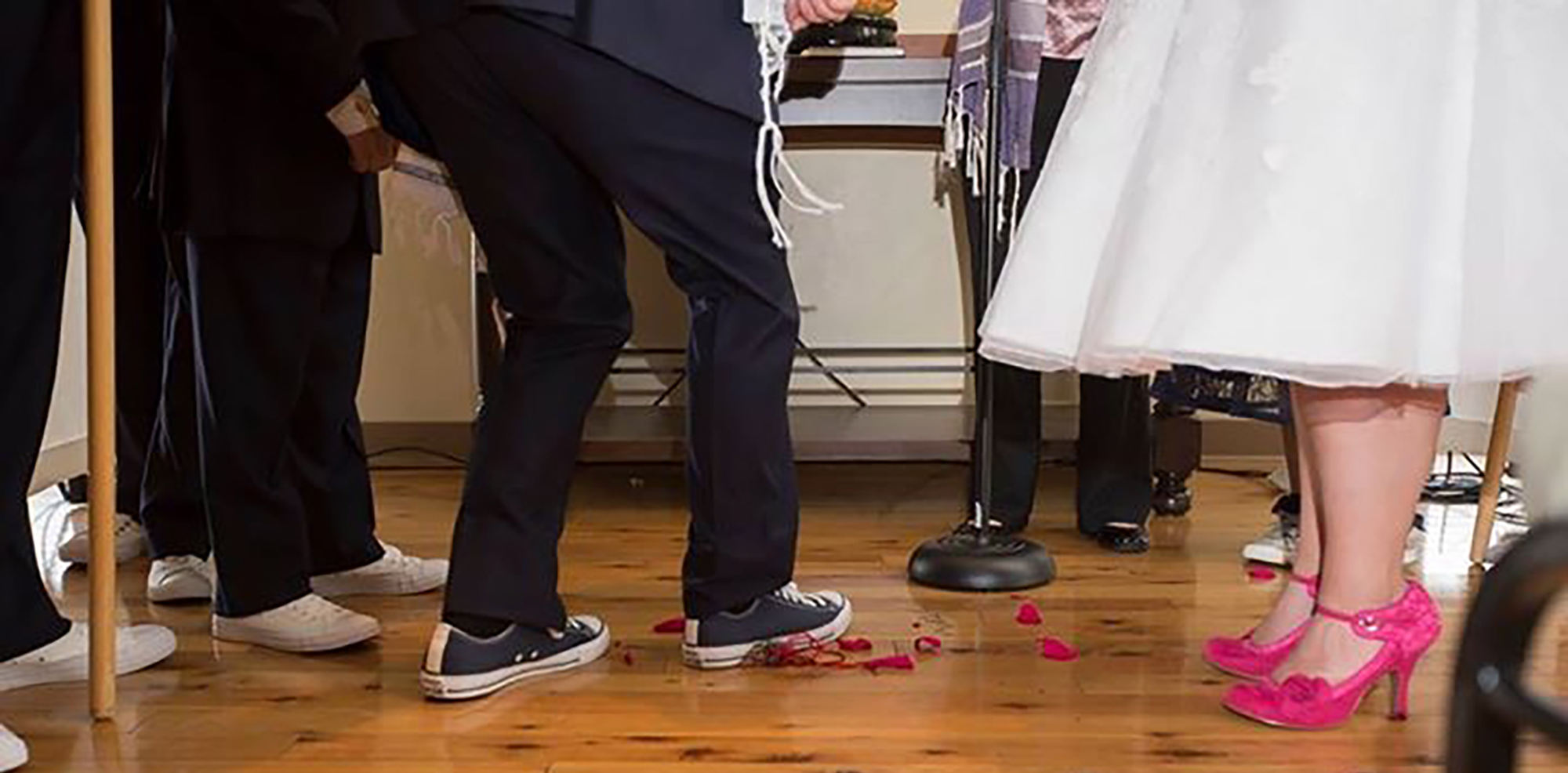 Breaking the wedding glass. Find local rabbis today