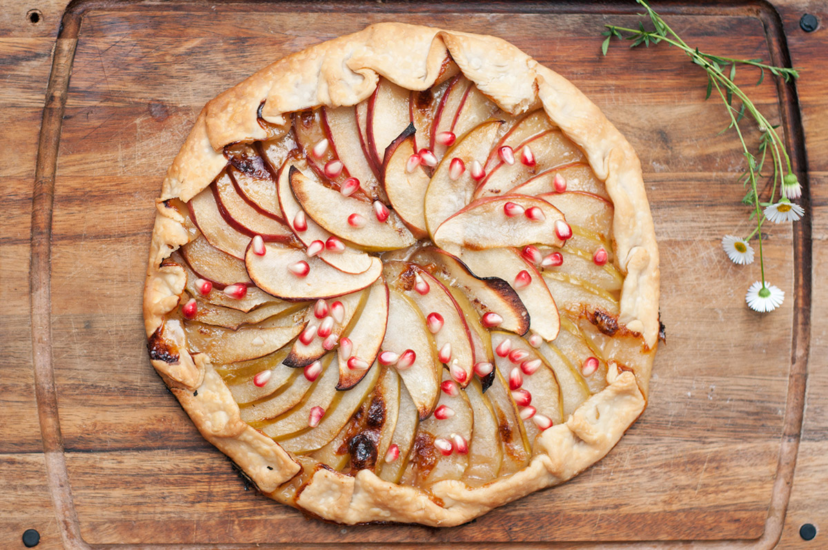 apple and honey galette